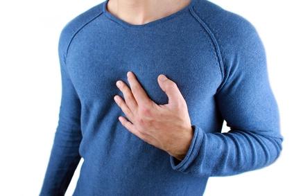 Reflux und Halsschmerzen Anzeichen: Symptome