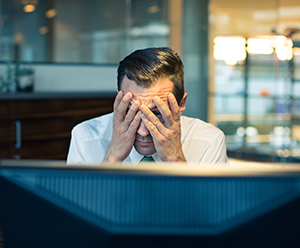 Müdigkeit und Antriebslosigkeit können Symptome für Eisenmangel sein