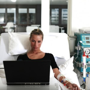 Bei schweren Funktionsstörungen der Niere ist die Dialyse eine wichtige Therapiemöglichkeit