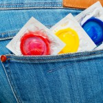 Der Frauenarzt empfiehlt, während der Behandlung Kondome zu benutzen