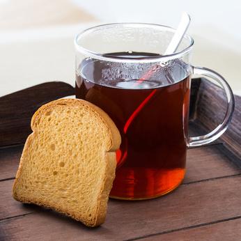 Der Gastroenterologe empfiehlt viel zu trinken und langsam mit leichter Kost aufzubauen