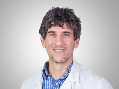 Javier Avila, Facharzt für Allgemeinmedizin